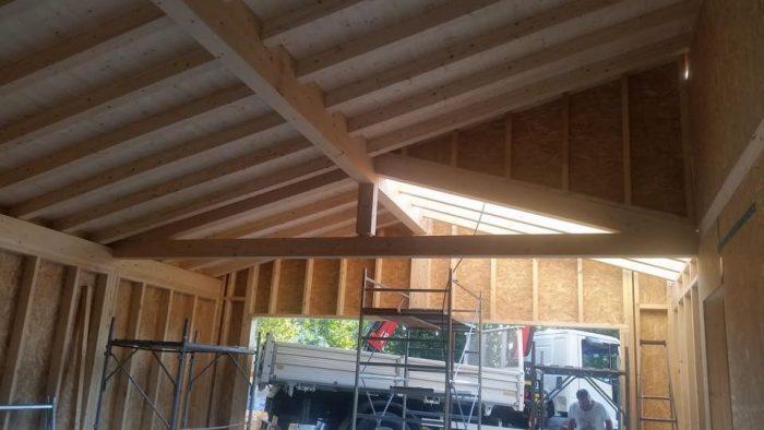 soffitto in legno in costruzione