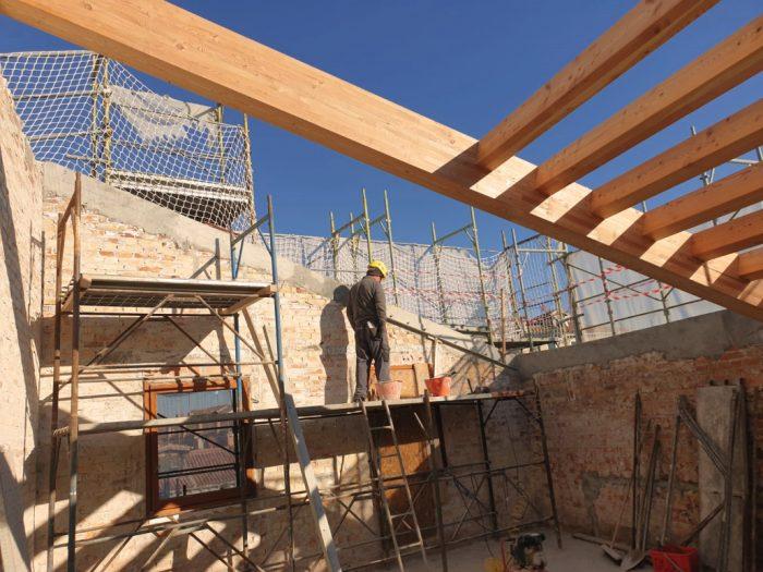 struttura-in-legno-costruzione